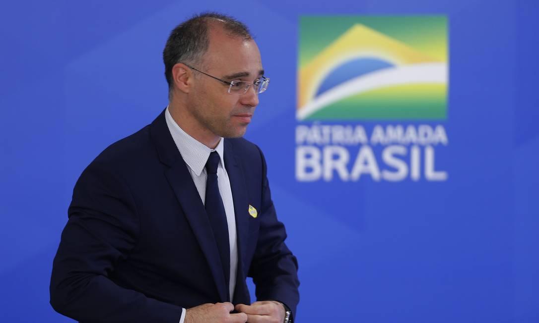Advogado-geral da União, ministro André Luiz de Almeida Mendonça, em solenidade no Palácio do Planalto Foto: Jorge William / Agência O Globo