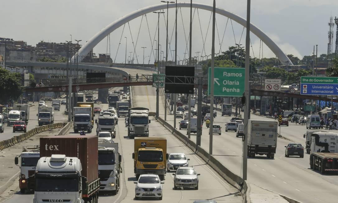 Pandemia de coronavírus: população relaxa a quarentena e trânsito aumenta nas ruas Foto: Gabriel de Paiva / Agência O Globo