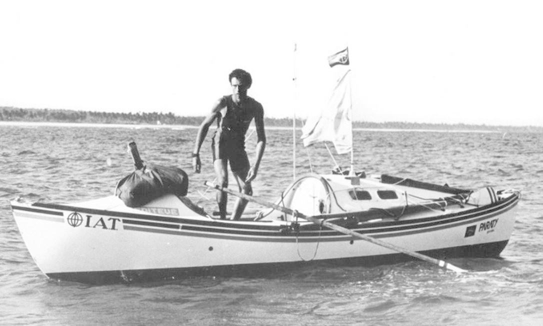 Amyr Klink após atravessar o oceano remando sozinho durante 100 dias Foto: Divulgação Amyr Klink