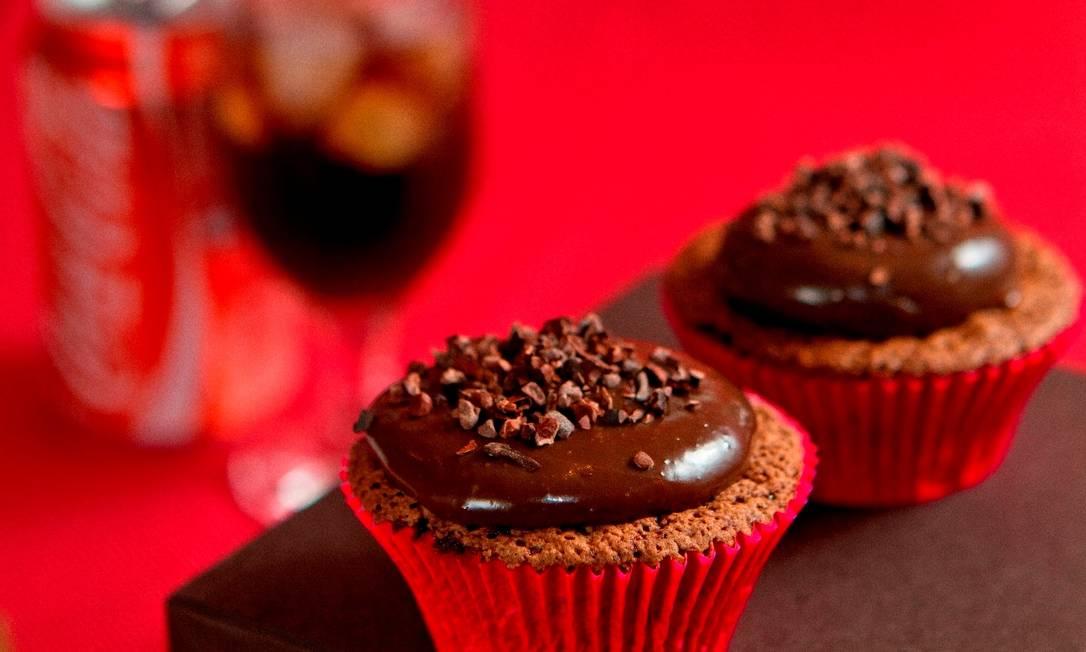 Cupcake de chocolate com Coca-Cola, da MP Tortas Foto: Divulgação