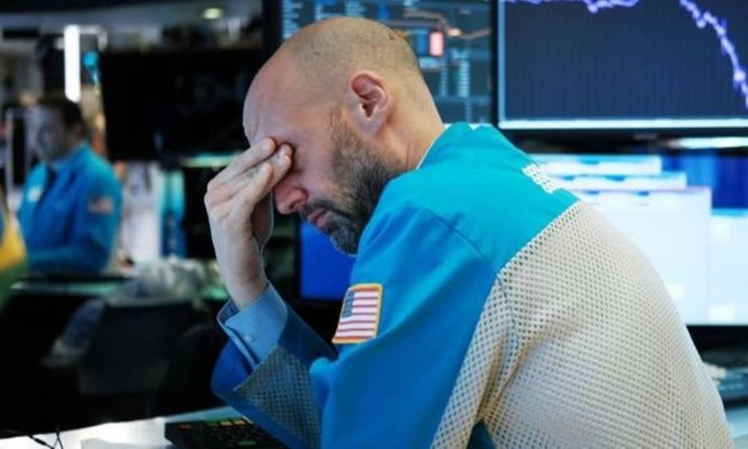 O mercado financeiro segue em queda por causa da pandemia de coronavírus Foto: Getty Images