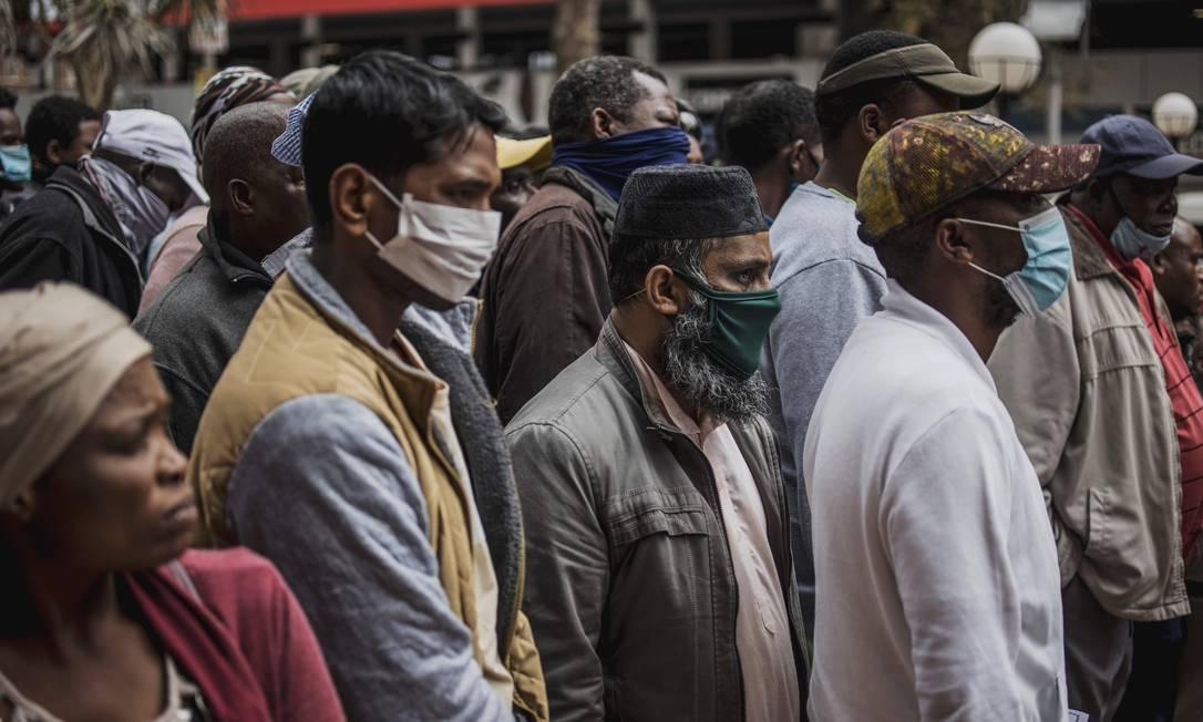 Na África, o novo coronavírus está se espalhando rapidamente, alertou a OMS Foto: Marco Longari / AFP