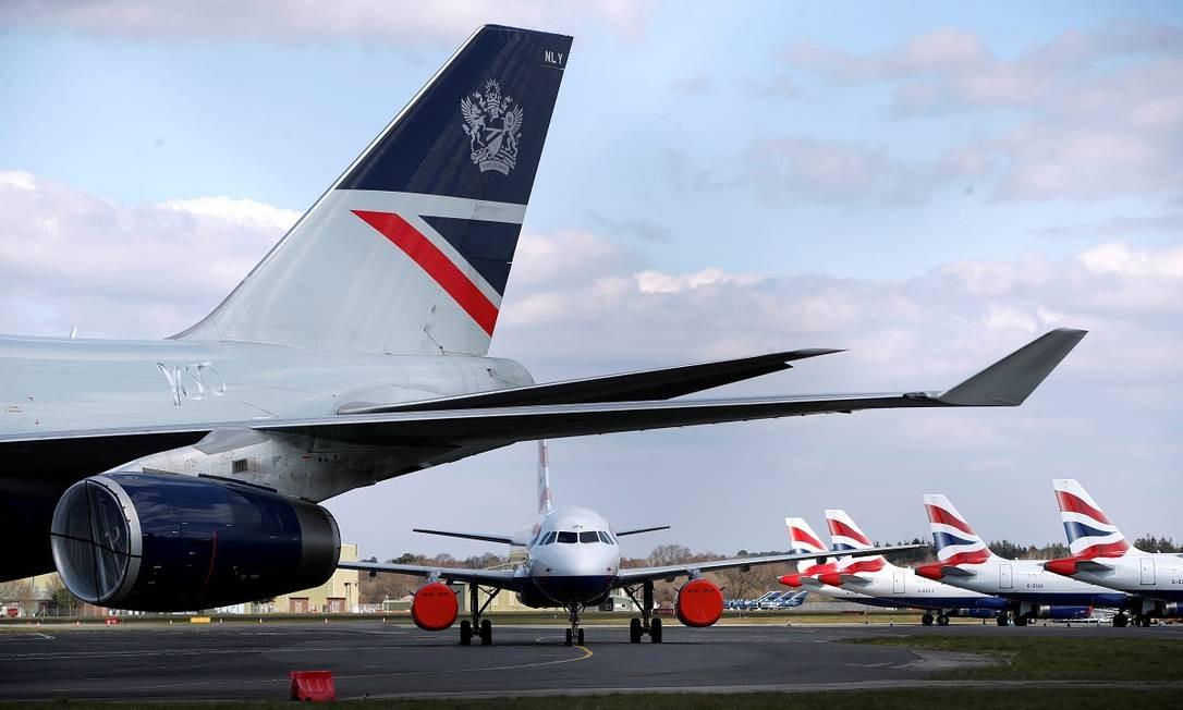 Aviões da British Airways estacionados no aeroporto de Bournemouth, na Inglaterra Foto: Paul Childs / Reuters