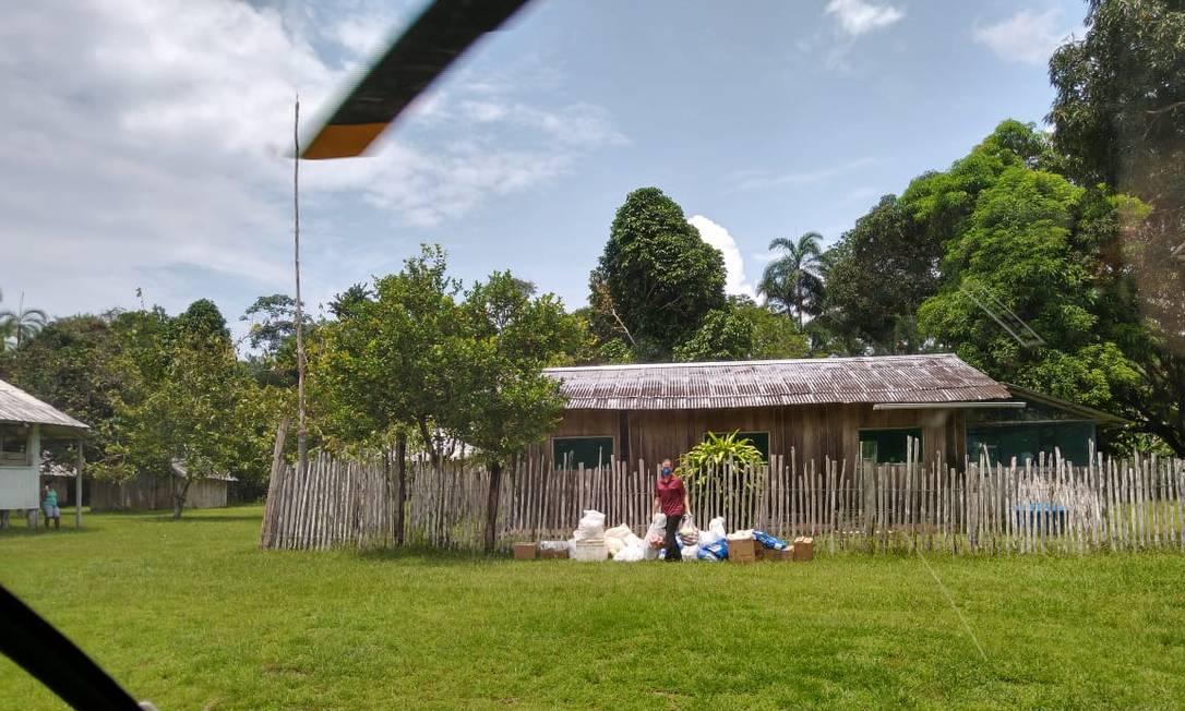 O missionário Jevon Rich da Missões Novas Tribos do Brasil (MNTB) supostamente sendo resgatado pelo R66. Funai nega que tenha autorizado ingresso de helicóptero e de nenhum outro voo na região do Vale do Javari Foto: Missão Novas Tribos do Brasil (MNTB)/Divulgação