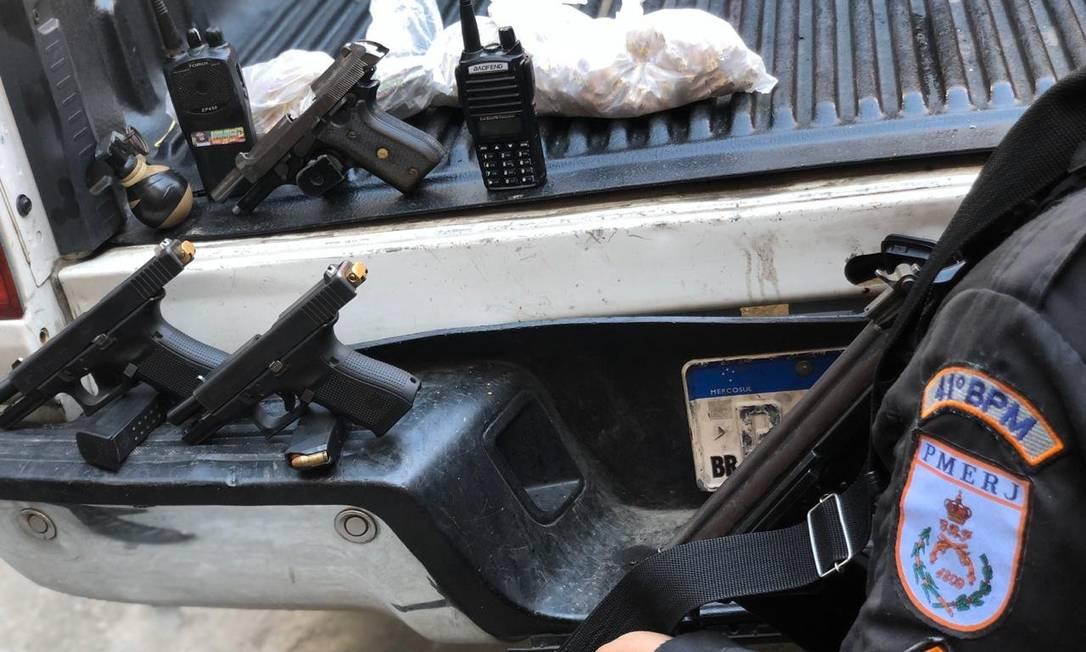 PM aprende pistola em operação em Acari Foto: Divulgação