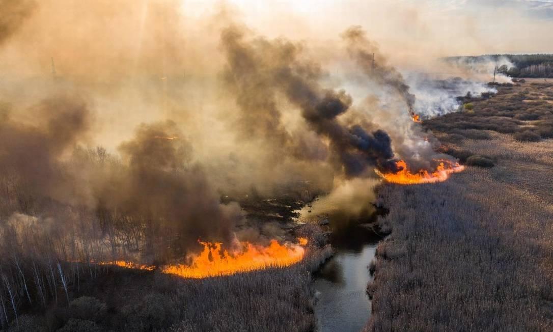 Incêndios próximos à antiga usina nuclear de Chernobyl elevam a ...