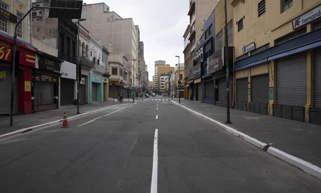 Movimento da rua 25 de Março, centro de São Paulo, no sábado Foto: Caio Guatelli / Caio Guatelli