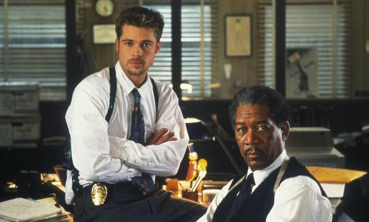 'Seven - os sete crimes capitais' (1995): filme de David Fincher, com Brad Pitt e Morgan Freeman, acompanha detetives que estão atrás de assassino em série. Disponível no Now. Foto: Divulgação