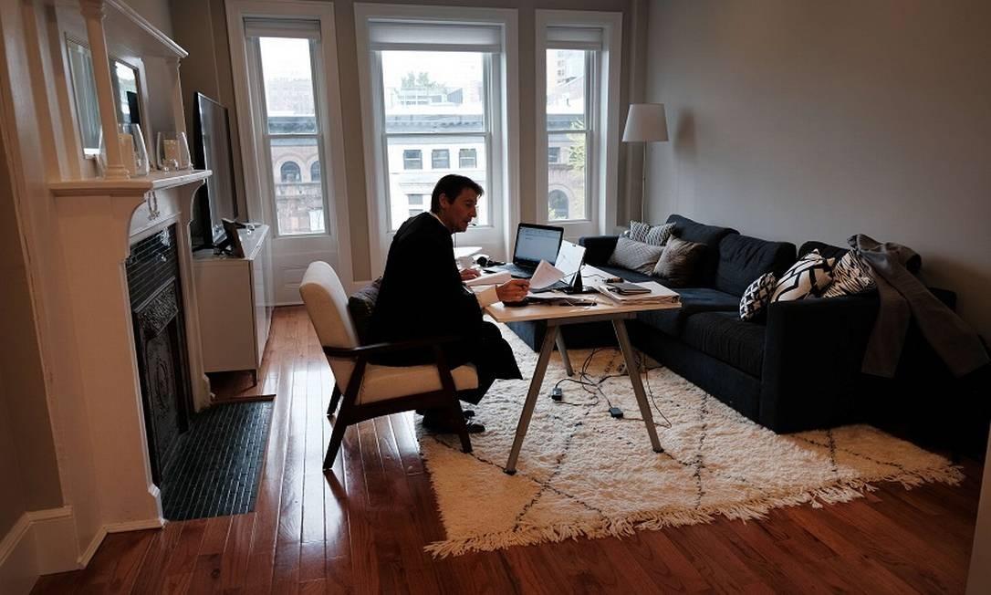 Itens para home office tiveram procura maior. Foto: Spencer Platt / AFP