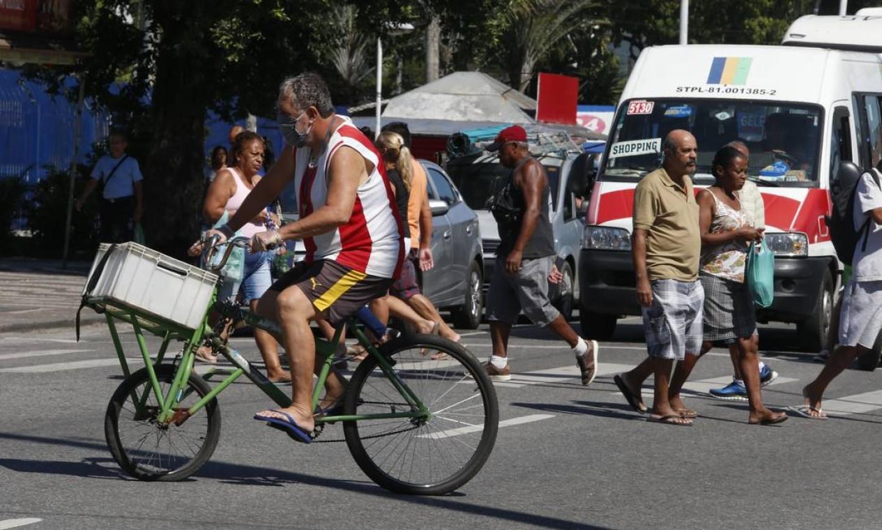 Zona Oeste concentra o segundo com o maior número de casos, mas Bangu têm menos confirmações que a maioria dos bairros da Zona Sul, por onde o surto começou Foto: Fabiano Rocha / Agência O Globo