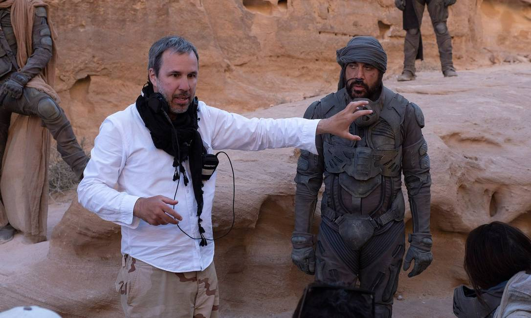 Denis Villeneuve e Javier Bardem nas filmagens de 'Duna', na Jordânia Foto: Divulgação/CHIABELLA JAMES