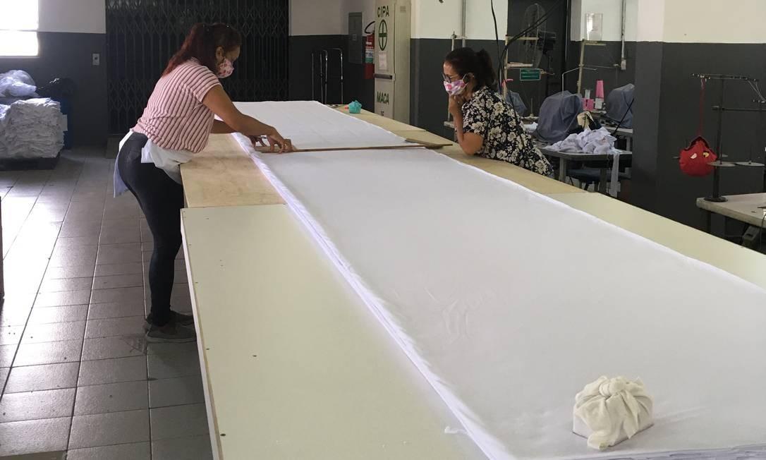 A indústria de vestuário infantil TipTop, que tem 200 costureiras dedicadas à fabricação de máscaras Foto: Divulgação