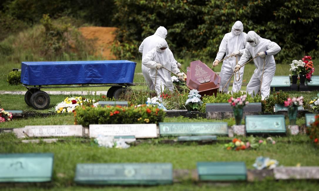 Mortes explodiram em Manaus e ameaçam sistema funerário Foto: BRUNO KELLY / REUTERS
