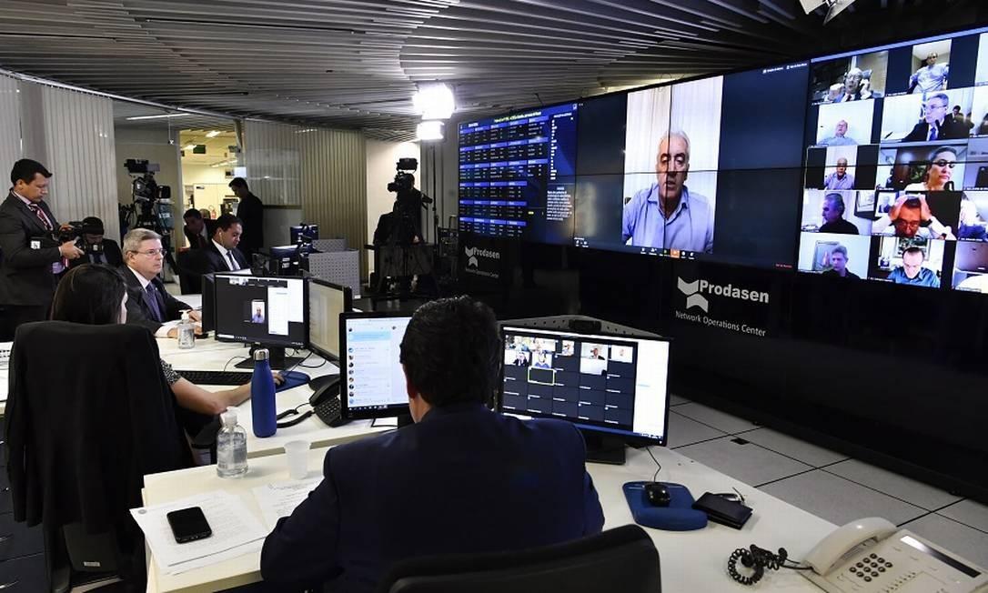 Sessão de votação no Senado via videoconferência. Foto: Waldemir Barreto / Agência O Globo