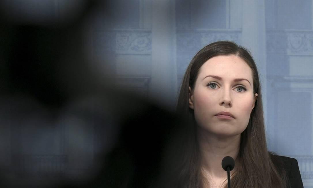 Premier finlandesa Sanna Marin durante entrevista coletiva em Helsinki Foto: MARKKU ULANDER / AFP / 14-04-2020