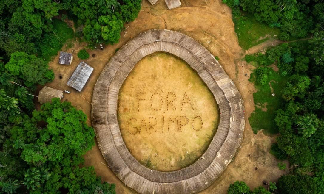 Lideranças ianomâmis se manifestam contra garimpo em suas terras durante o primeiro Fórum de Lideranças da TI Yanomami; adoldescente está entre as vítimas de coronavírus Foto: Vitor Moriyama - ISA