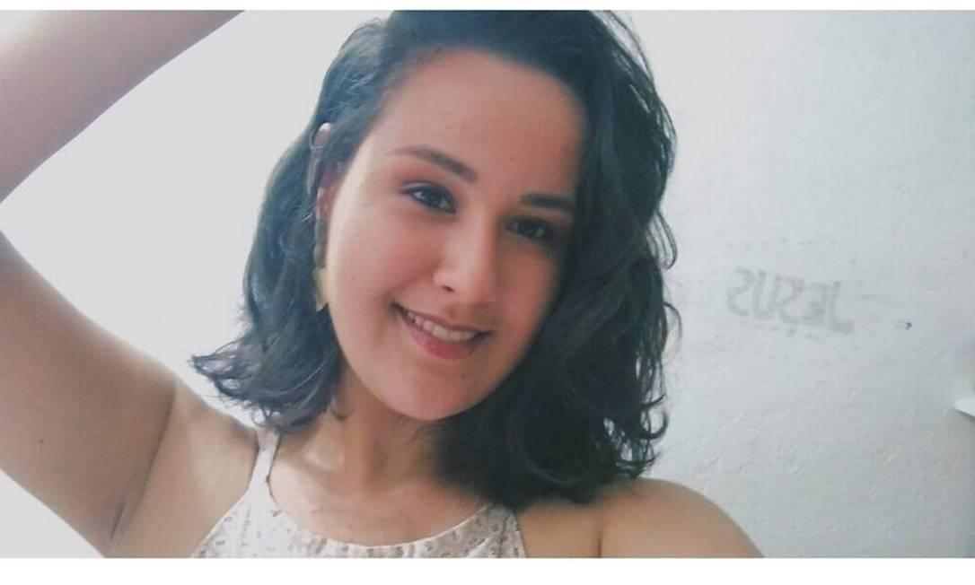 Kamilly Ribeiro, de 17 anos, morreu após ficar 20 dias internada na UTI do Hospital Moacir do Carmo, em Duque de Caxias, na Baixada Fluminense. Foto: Reprodução Redes Sociais