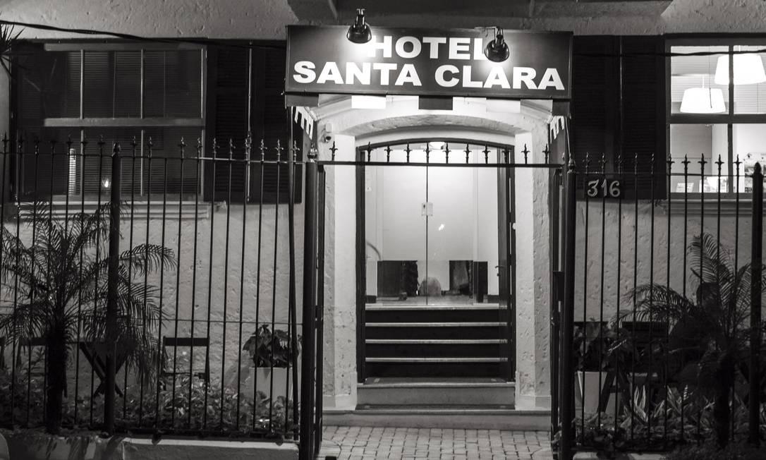 Hotel Santa Claro, onde o autor se hospedou, em Copacabana, para pesquisa de um dos livros Foto: Leo Martins / Agência O Globo