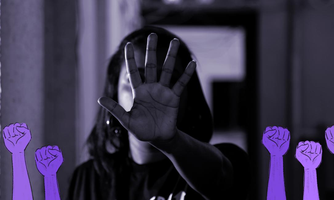 """""""Na quarentena fique em casa, mas saia da violência doméstica"""". Projeto Justiceiras oferece apoio a mulheres vítimas de agressões durante isolamento domiciliar Foto: Fábio Rossi/Agência O Globo"""