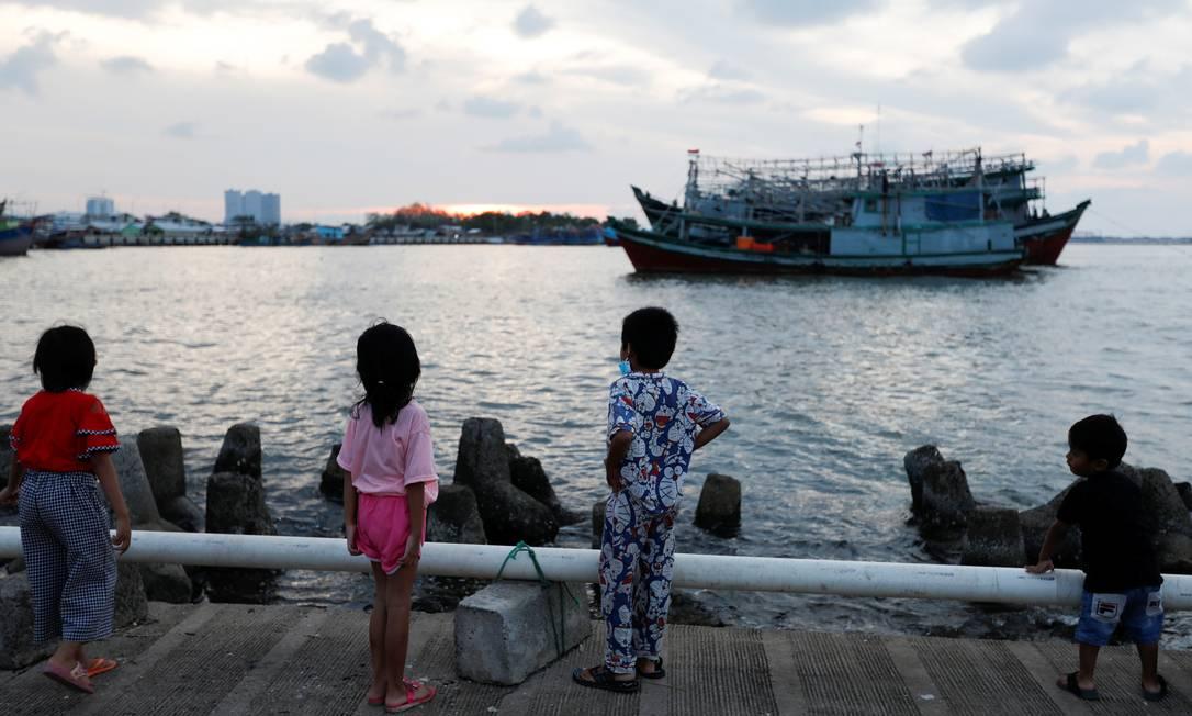 Crise econômica provocada pela pandemia do novo coronavírus pode ser fatal para dezenas de milhares de crianças no mundo Foto: Willy Kurniawan / Reuters