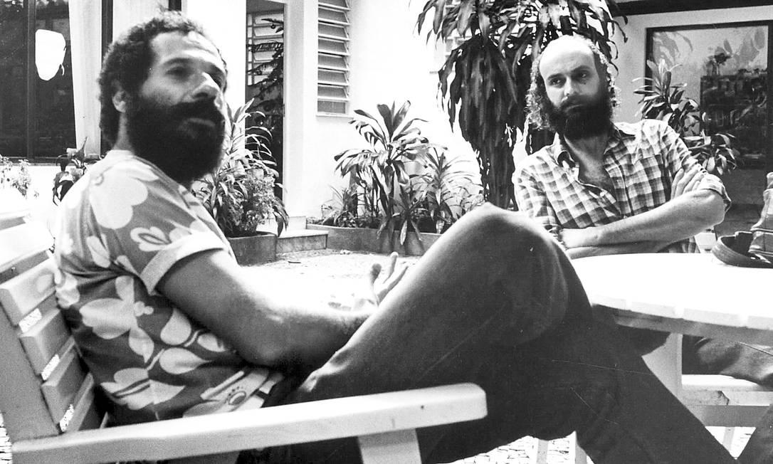 Os composoitores João Bosco e Aldir Blanc, em 1982 Foto: Luiz A. Barros / Agência O Globo