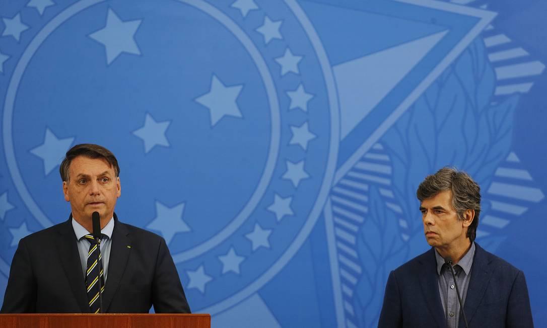 Bolsonaro anuncia oncologista Nelson Teich para substituir Mandetta no Ministério da Saúde Foto: Jorge William / Agência O Globo