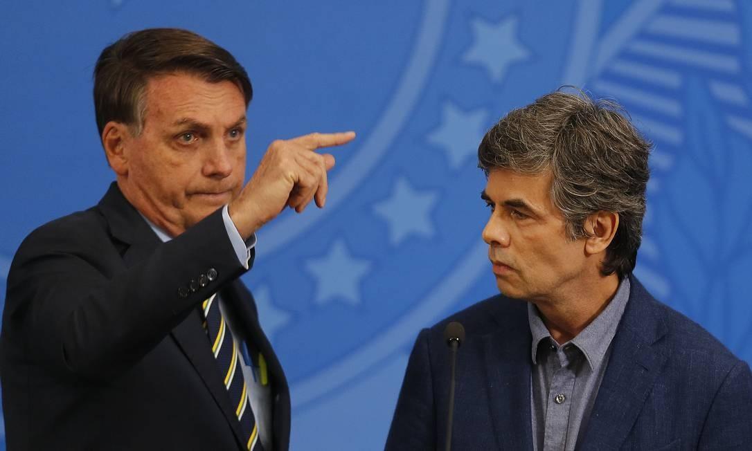 O presidente Jair Bolsonaro e o novo ministro da Saúde, Nelson Teich, no Palácio do Planalto.16/04/2020 Foto: Jorge William / Agência O Globo