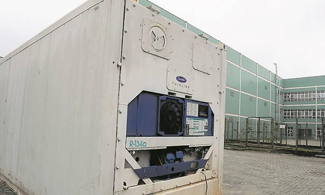 Equipamento, refrigerado, tem capacidade para 20 corpos Foto: Fabiano Rocha / Agência O Globo
