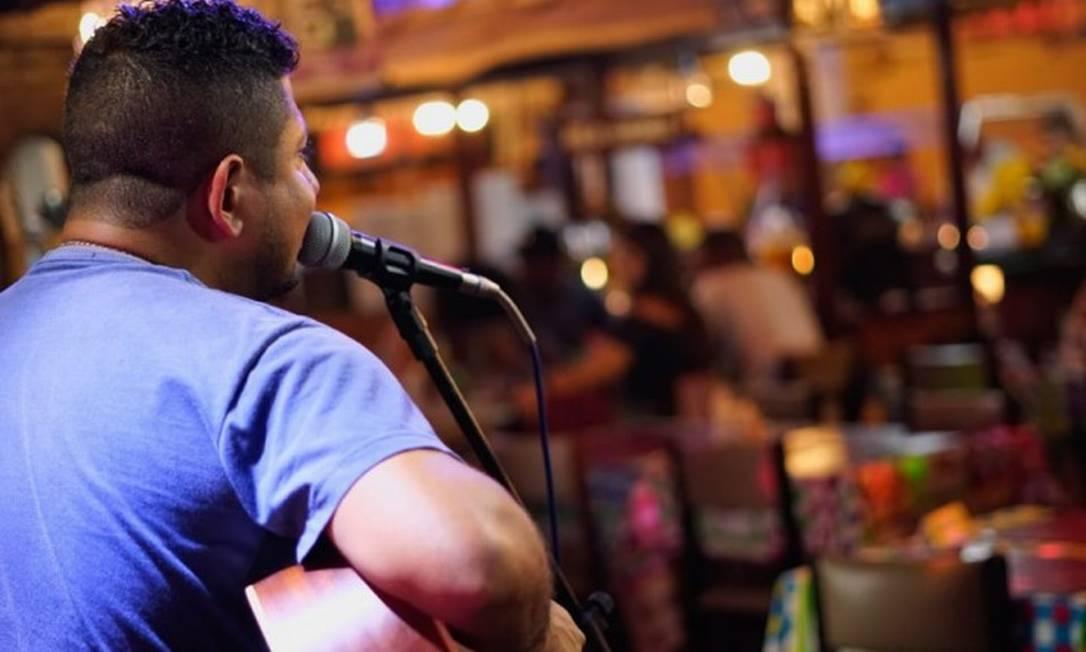 Músicos vem sofrendo com queda de arrecadação de direitots autorais e paralisação de shows Foto: Infoglobo