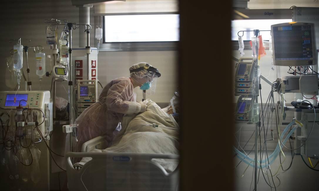 Unidade de Terapia Intensiva exclusiva para pacientes da Covid-19 no Hospital Copa Star, em Copacabana Foto: Márcia Foletto / Agência O Globo