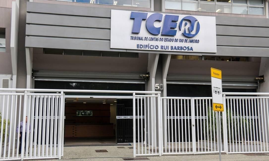 Foto de arquivo: fachada do prédio do TCE no Centro do Rio Foto: Luiz Souza/Fotoarena / Agência O Globo