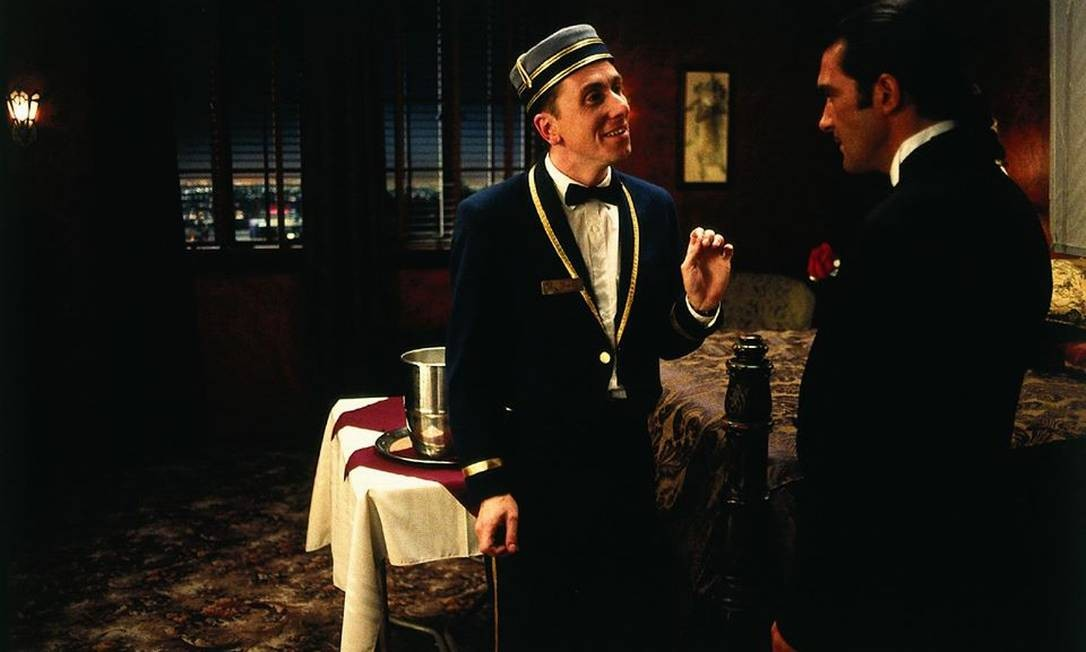 Tim Roth and Antonio Banderas in a scene from the