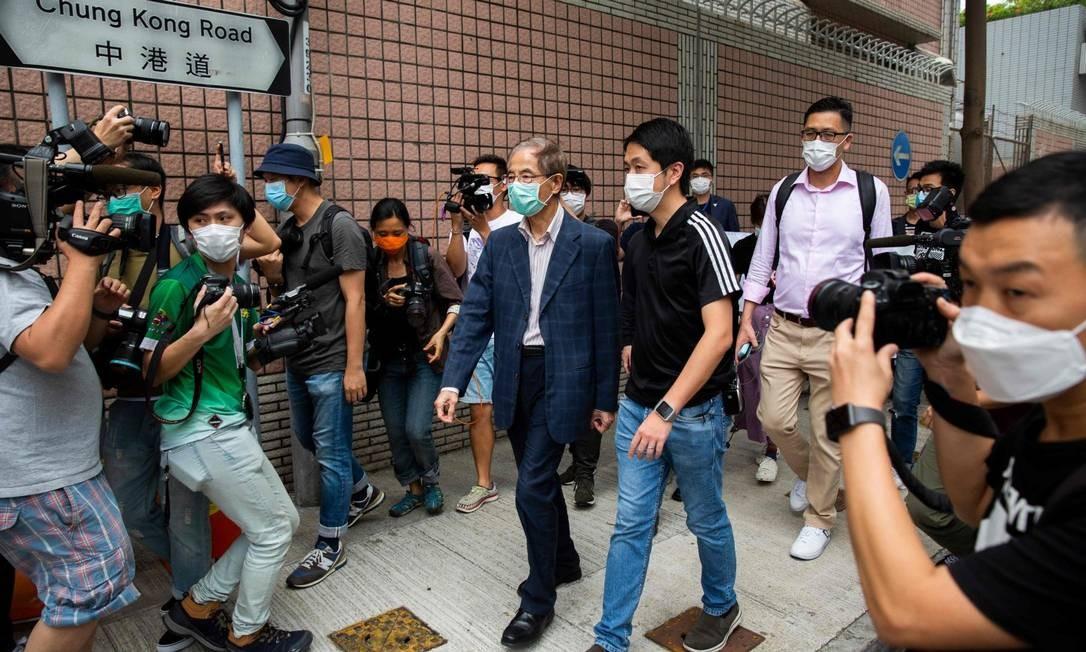Ativista pró-democracia Martin Lee ao ser solto sob fiança Foto: ISAAC LAWRENCE / AFP