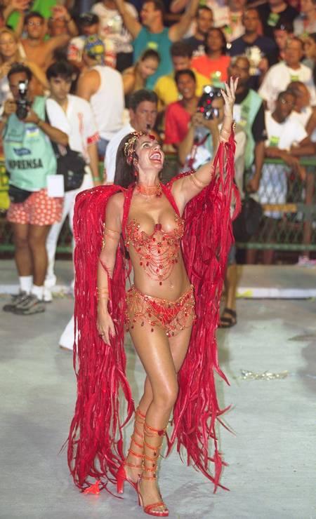Em 2001, Luma no desfile da Viradouro Foto: Fernando Maia