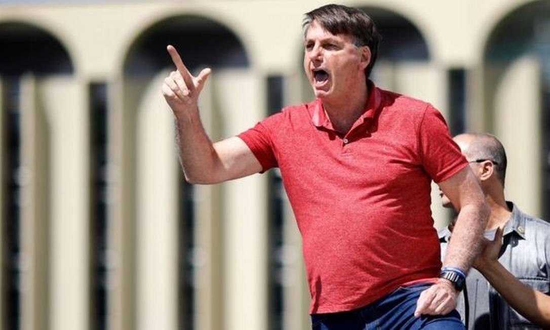 Atos de domingo a favor da ditadura poderão ser investigados após pedido de abertura de inquérito pelo procurador-geral da República Foto: SERGIO LIMA/AFP