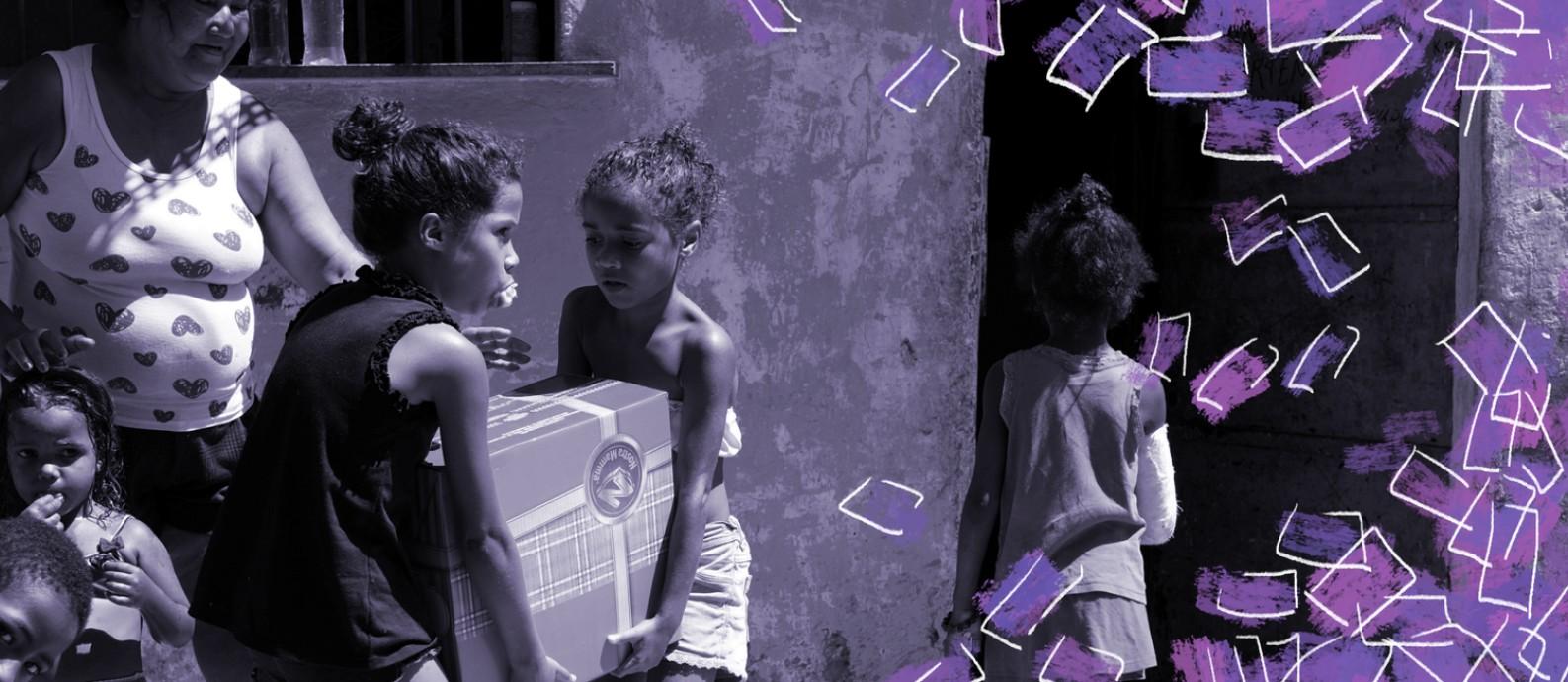 Família recebe doação em favela no Rio; projeto da Cufa que concede benefício mensal para mães solo de comunidades de todo o Brasil já arrecadou R$ 4 milhões e vai contemplar 50 mil mulheres Foto: Reuters