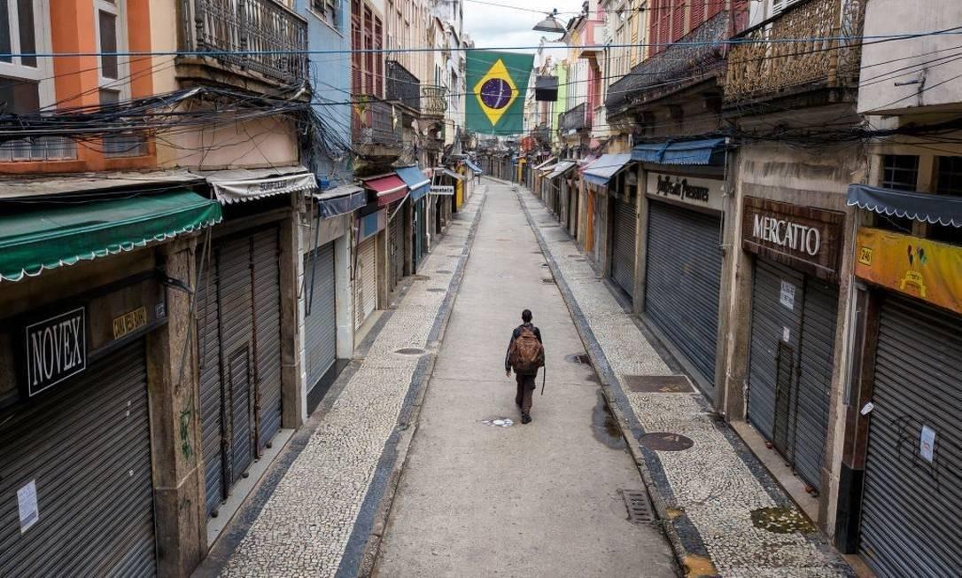 No Saara, comércio popular no centro do Rio, lojas estão fechadas e ruas ficaram desertas em meio à pandemia Foto: Buda Mendes/Getty Images