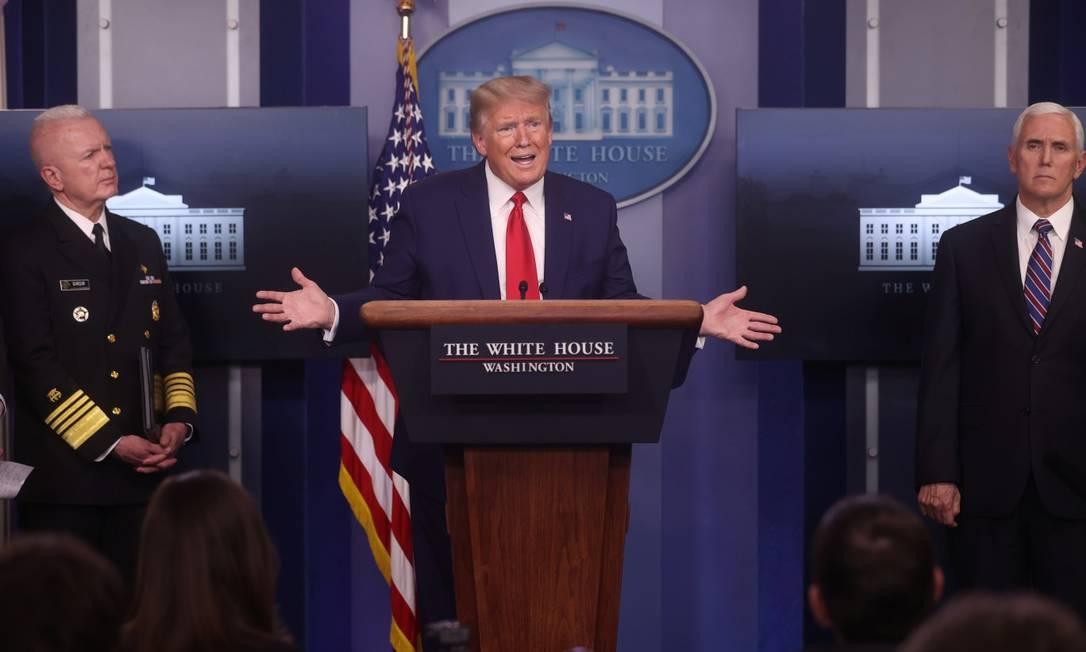 Presidente Donald Trump, durante entrevista coletiva na Casa Branca Foto: JONATHAN ERNST / REUTERS / 20-04-2020