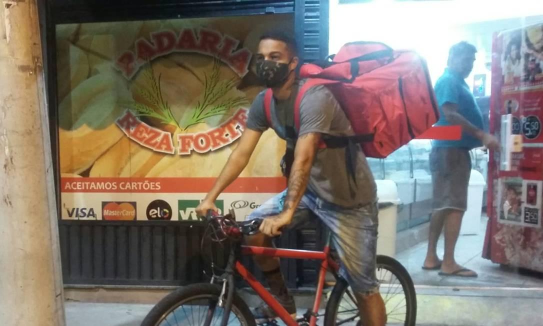 Luiz Felipe faz entregas na Zona Norte do Rio Foto: Acervo pessoal