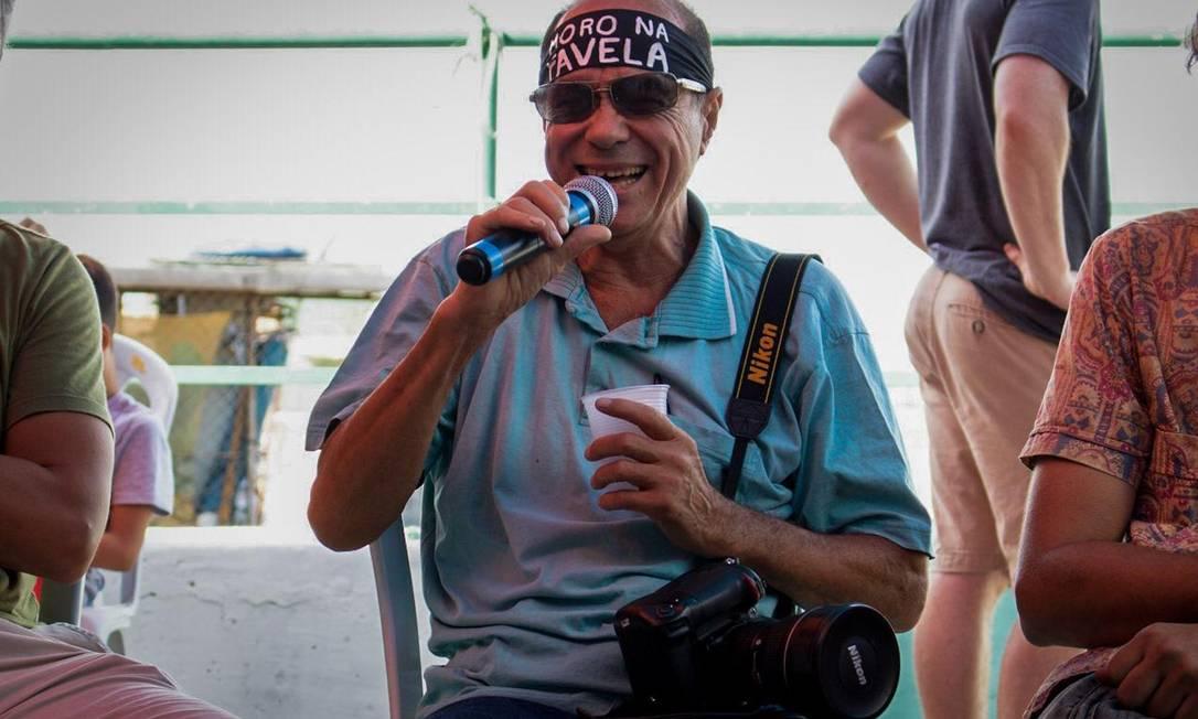 Seu Rodrigues Moura, o primeiro fotógrafo do Alemão Foto: Matheus Guimarães / Voz das Comunidades