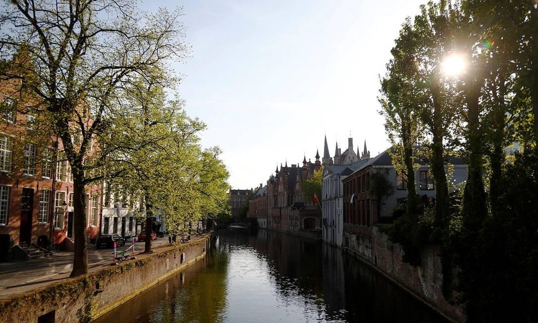Ninguém nas ruas e canais da parte antiga de Bruges Foto: Francois Lenoir / Reuters