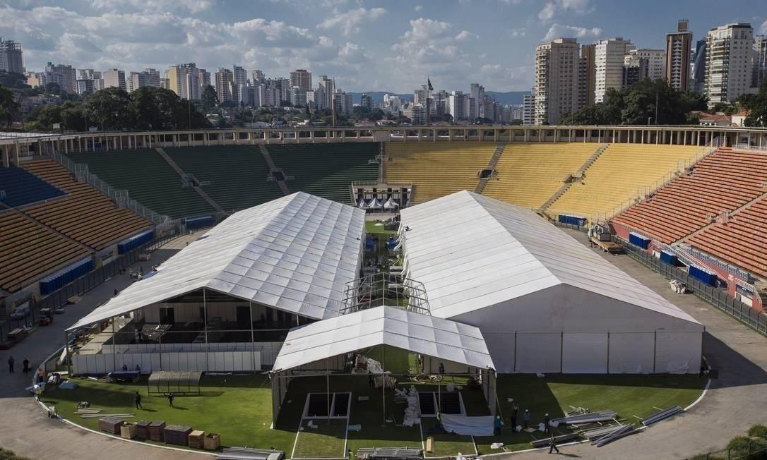 Estádio do Pacaembu é transformado em hospital de campanha para receber pacientes com coronavírus Foto: Edilson Dantas / Agência O Globo
