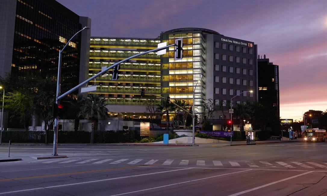 Em Los Angeles, no Cedars-Sinai Medical Center pacientes com Covid-19 receberão hormônios femininos Foto: Jake Michaels for The New York Times