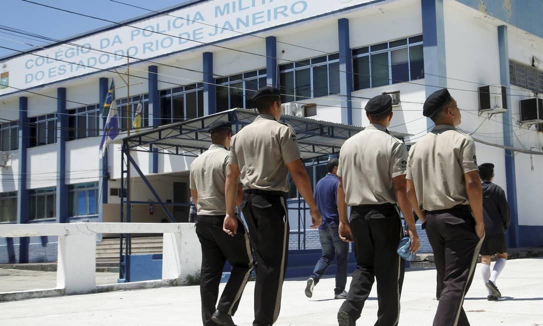Escolas cívico-militares ainda buscam militares Foto: Fábio Guimarães / Agência O Globo