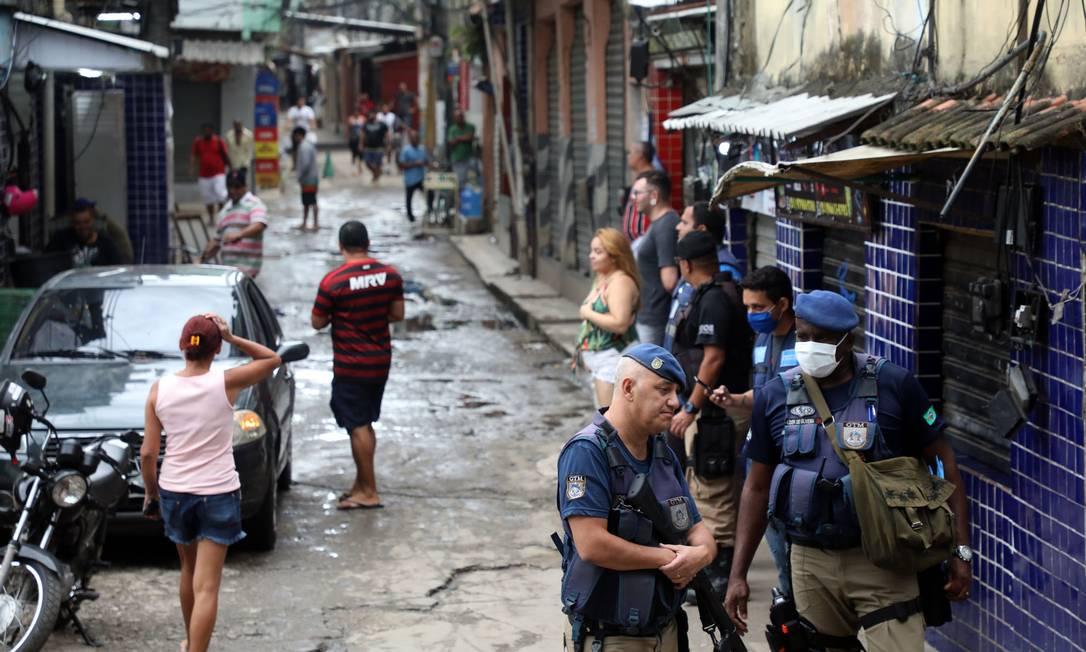 A inadimplência se manteve estável em março Foto: Fábio Motta : Fabio Motta / Agência O Globo