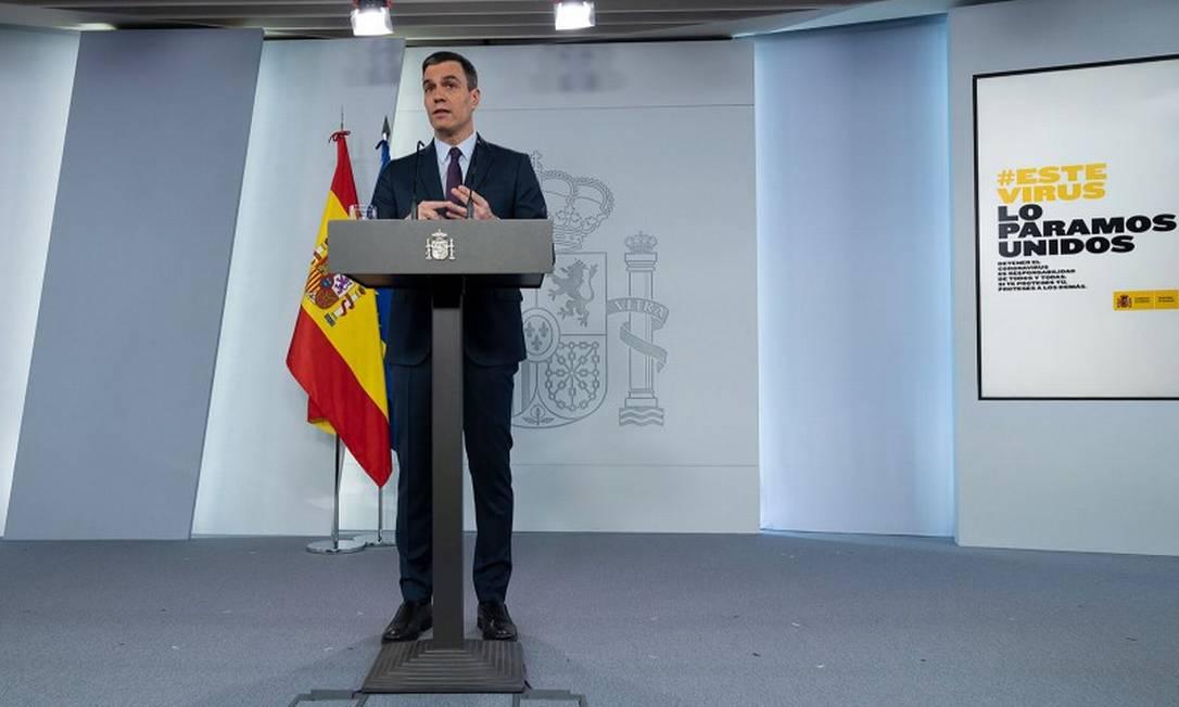 Premier Pedro Sánchez, durante pronunciamento no dia 25 de abril Foto: BORJA PUIG DE LA BELLACASA / AFP