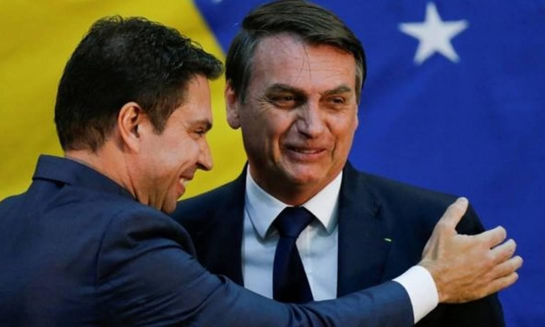 O presidente Jair Bolsonaro e o delegado da Polícia Federal Alexandre Ramagem Foto: REUTERS