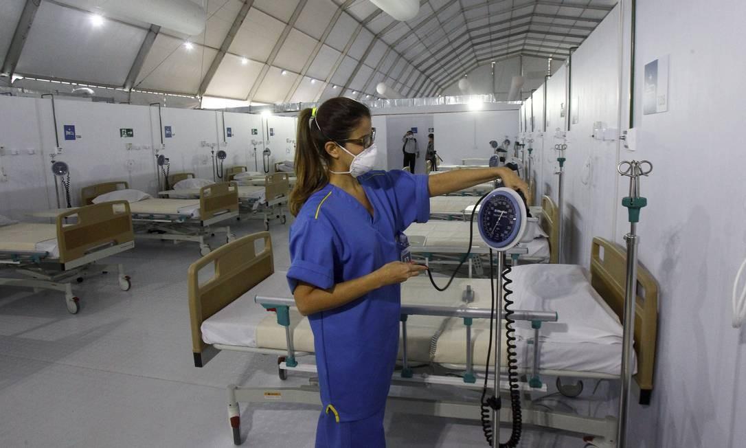 Interior do hospital de campanha do Leblon, onde os leitos estão sendo abertos gradativamente Foto: Guilherme Pinto / Agência O Globo