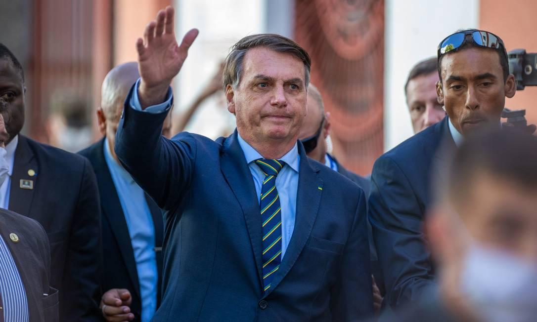 Presidente Jair Bolsonaro segue participando de eventos com grande aglomeração de pessoas Foto: Fotoarena / Agência O Globo