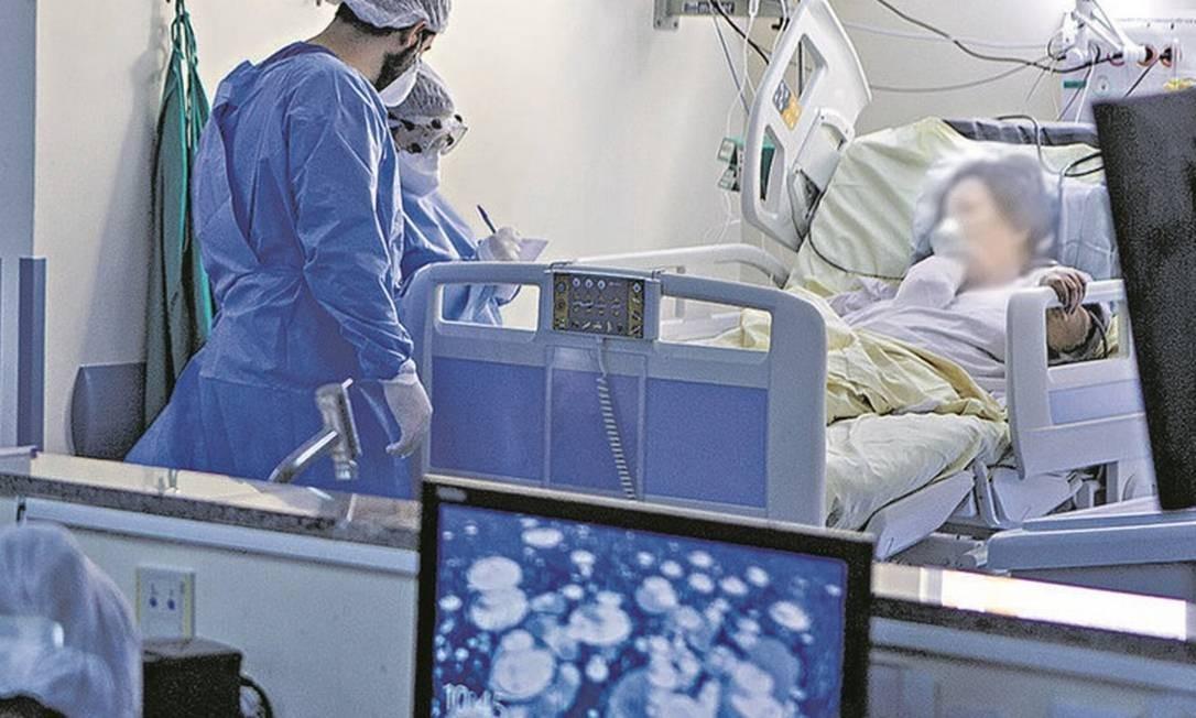 Documento técnico tirará dos ombros do médico o peso de determinar quem terá direito a respirador Foto: Agência O Globo / Alexandre Cassiano